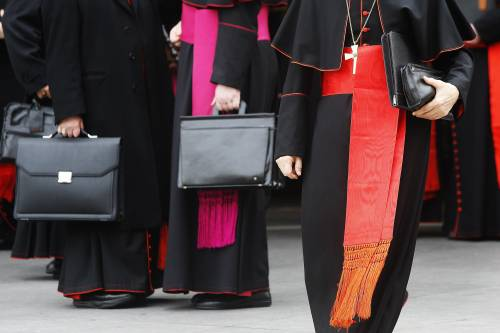 Messaggio alla Curia: finita l'era delle regge