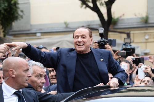 Pullman da tutta Italia, il popolo moderato riunisce il centrodestra