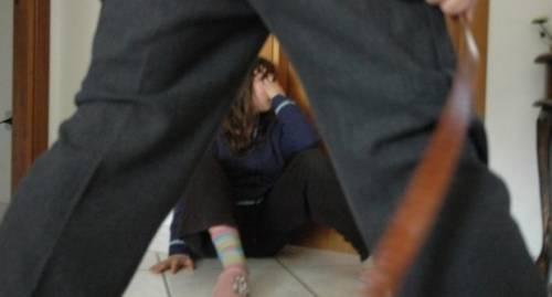 Viterbo, musulmano picchia figlio perché contrario alla sua relazione con un'italiana