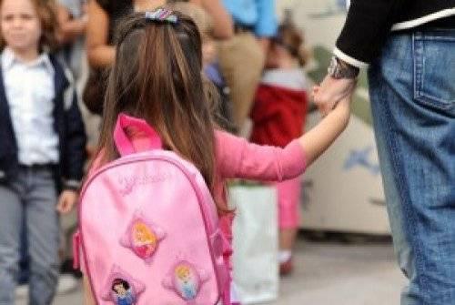 Accusato ingiustamente di molestie alla figlia: padre risarcito dal Comune