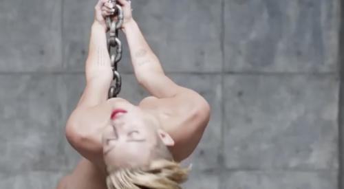 Miley Cyrus nuda per Terry Richardson 12