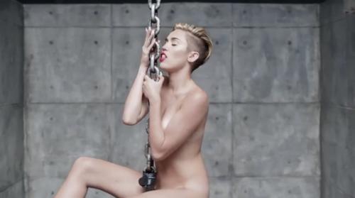 Miley Cyrus nuda per Terry Richardson 19