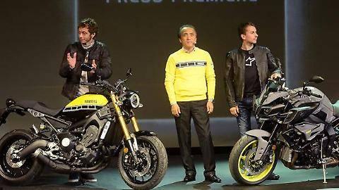 Milano, l'incontro tra Rossi e Lorenzo 2