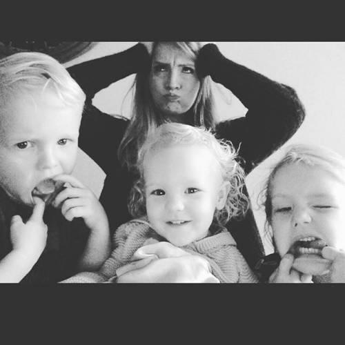 James e Kimberly Van Der Beek: foto di famiglia in attesa del quarto figlio 2