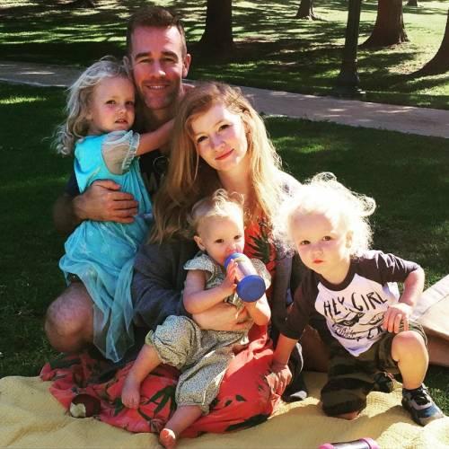 James e Kimberly Van Der Beek: foto di famiglia in attesa del quarto figlio 3