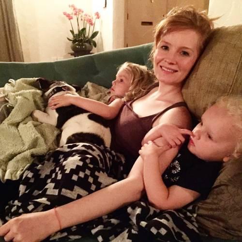 James e Kimberly Van Der Beek: foto di famiglia in attesa del quarto figlio 15