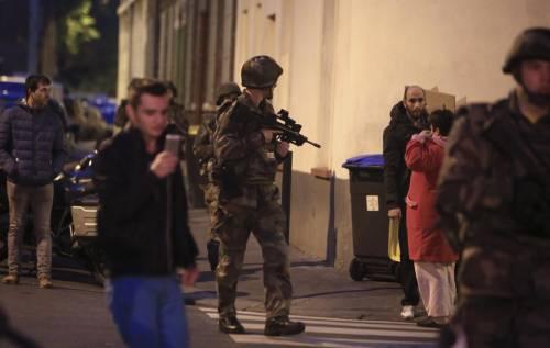 Parigi, blitz delle forze armate  4