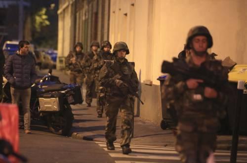 Parigi, blitz delle forze armate  6
