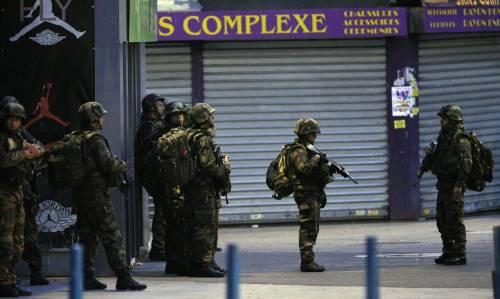 Parigi, blitz delle forze armate  5