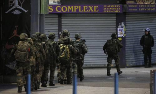 Parigi, blitz delle forze armate  8