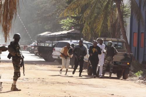 Jihadisti in un hotel in Mali 2