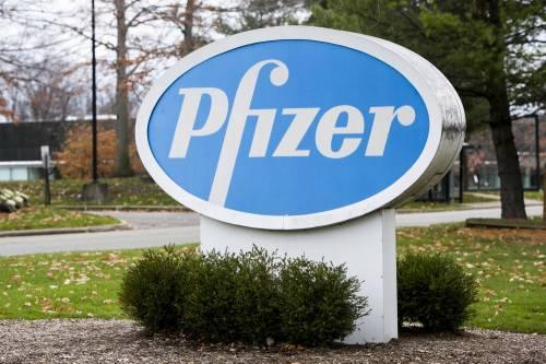 Vaccino, Pfizer brucia tutti: sarà somministrato già dalla prossima settimana