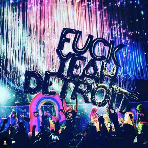 Miley Cyrus sempre più sexy in tour 6