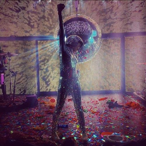 Miley Cyrus sempre più sexy in tour 18