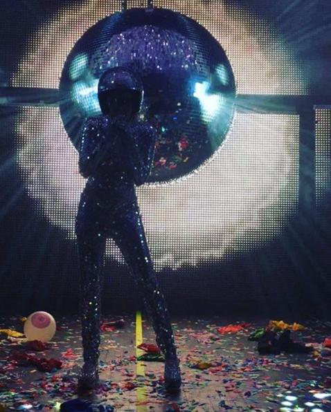 Miley Cyrus sempre più sexy in tour 19