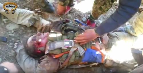 """""""È russo, Allahu Akbar!"""". E I ribelli uccidono il pilota"""