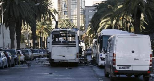L'autobus fatto a saltare a Tunisi 6