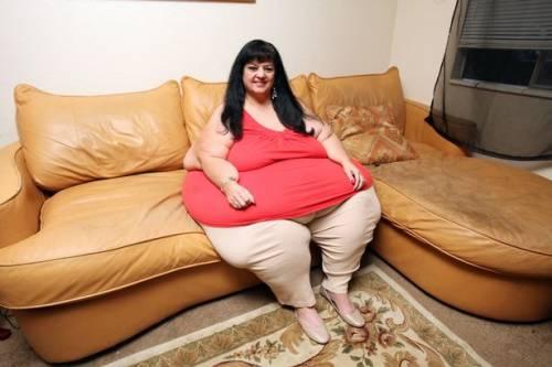 Lascia il fidanzato che la voleva grassa e perde un quintale