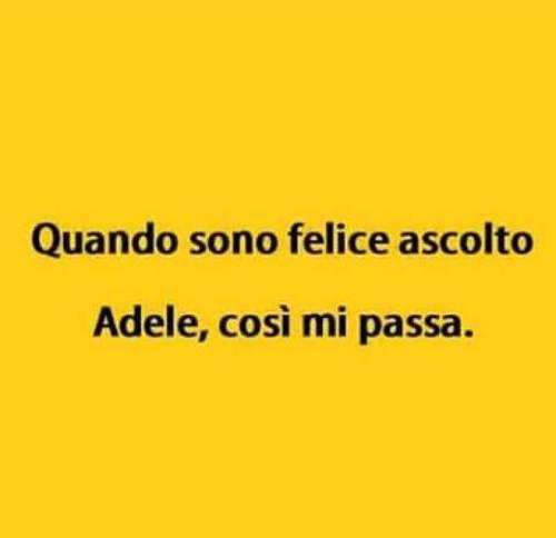 """La """"tristezza di Adele"""" presa di mira dai social 4"""