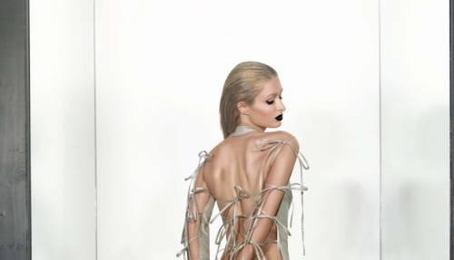 Paris Hilton, posteriore nudo coi fiocchi
