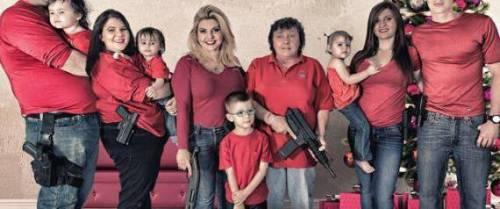 """Gli auguri della deputata: """"Armati per gli Stati Uniti"""""""