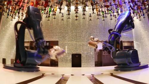 Il barman del futuro? È un braccio meccanico