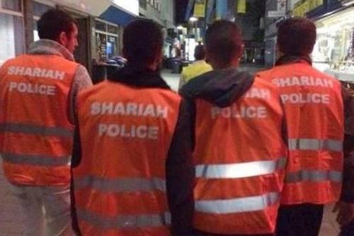 """Le ronde della cosiddetta """"polizia della Sharia"""", in Germania"""