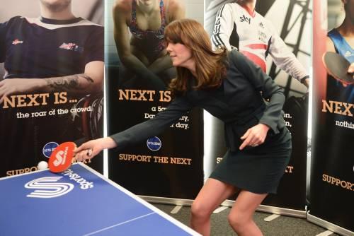"""Kate Middleton """"flirta"""" al telefono. A fin di bene 14"""