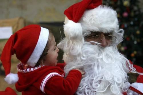 """""""Deve passare il corteo di Maometto"""": e Babbo Natale deve sloggiare"""