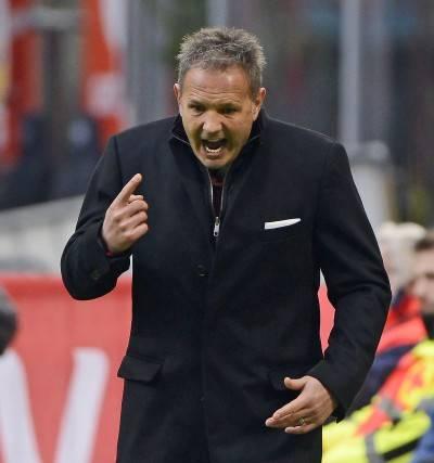 Il Milan cade con l'Atalanta Derby alla Roma, flop Napoli