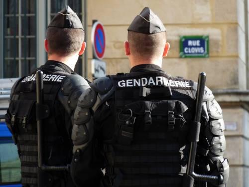 Lione, due bimbe trovate morte nella caserma dei gendarmi