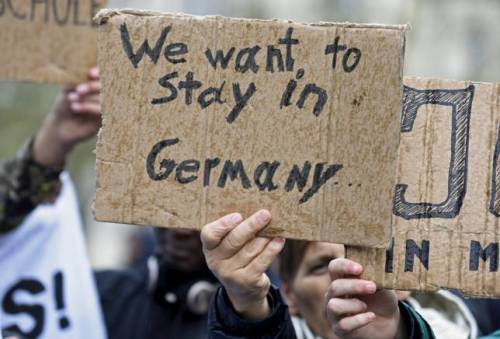 """Immigrato siriano a Spiegel: """"Ora voglio una tedesca come quarta moglie"""""""