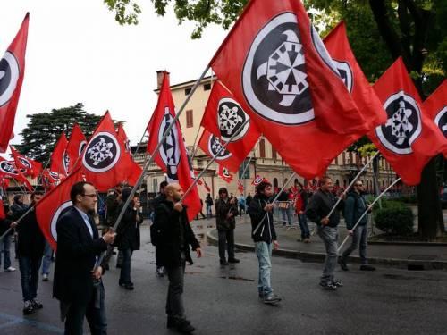 """La polizia promuove CasaPound: """"Violenti per colpa della sinistra"""""""