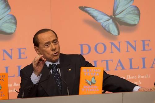 Berlusconi a cena con 200 ragazzi per celebrare i 22 anni in campo