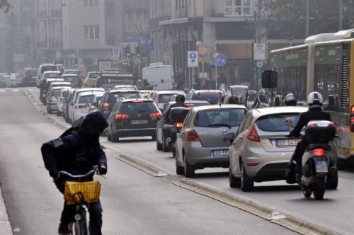 Pisapia prometteva aria pulita. Ma il blocco delle auto fa flop