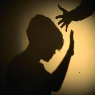 Violenta la nipotina, pedofilo arrestato per la quinta volta