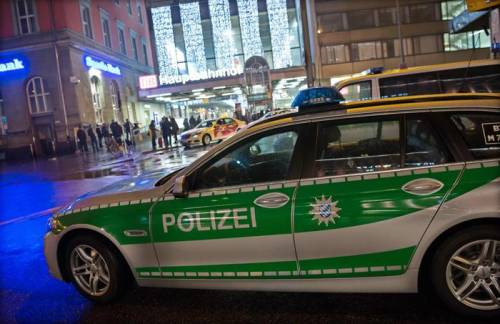 Stupro di massa in Germania: mille immigrati violentano 80 donne