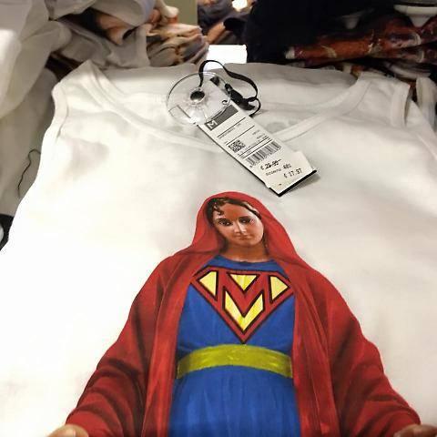 "T-shirt con la Madonna ""Ora boicottate Fedez"""