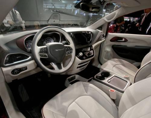 Ecco la Chrysler Pacifica 11