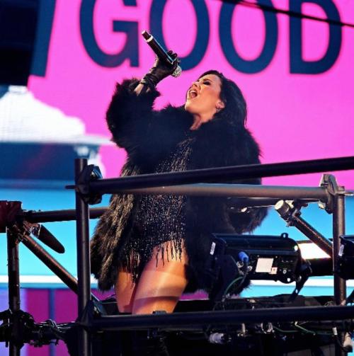 Demi Lovato ritrova se stessa nella nudità 2