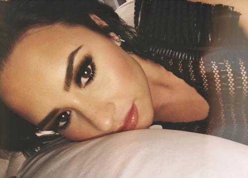Demi Lovato ritrova se stessa nella nudità 7