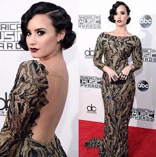 Demi Lovato ritrova se stessa nella nudità 11