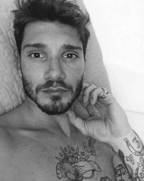 Belen Rodriguez e Stefano De Martino, le foto sospette su Instagram 14