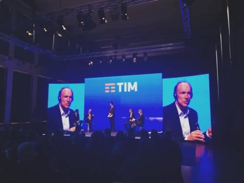 La presentazione del logo Tim 6