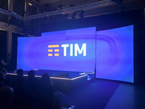 La presentazione del logo Tim 5