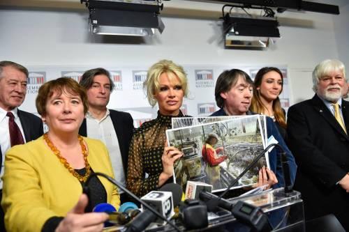 Pamela Anderson contro il foie gras 11