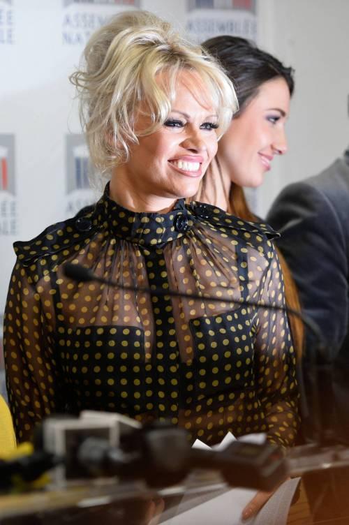 Pamela Anderson contro il foie gras 14