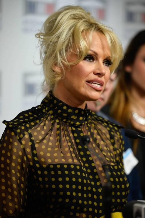 Pamela Anderson contro il foie gras 32