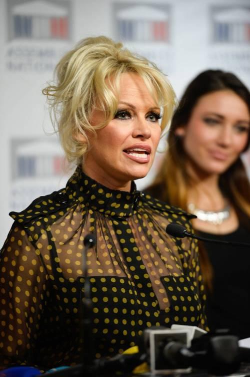 Pamela Anderson contro il foie gras 35