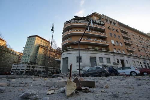 Roma, crollano tre piani di un palazzo 39